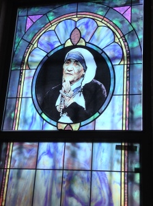 Stained glass window of Mother Teresa.
