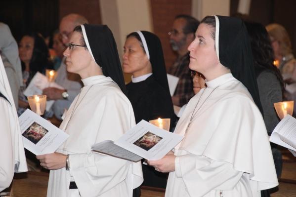 Nuns candles (002)